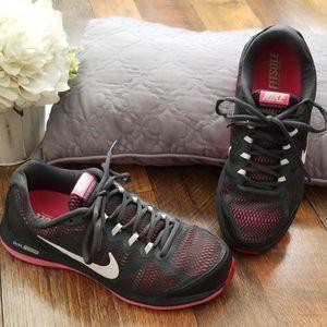 Nike Dual Fusion Run 3 Sneakers